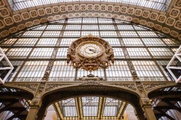Portal mit Uhr  Paris Île-de-France Frankreich by Peter Ehlert in Paris Louvre und Musée d'Orsay