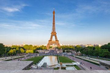 Eiffelturm im Abendlicht  Paris Île-de-France Frankreich by Peter Ehlert in Eiffelturm und Quartier Latin