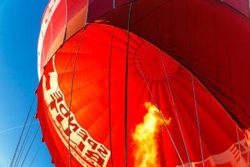 Brenner mit Ballon  Greiling Bayern Deutschland by Peter Ehlert in Ballonfahrt im Winter