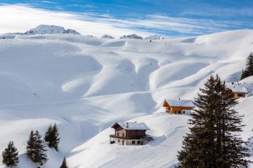 Hütten und Tiefschnee  Champéry Valais Schweiz by Peter Ehlert in Skigebiet Portes du Soleil