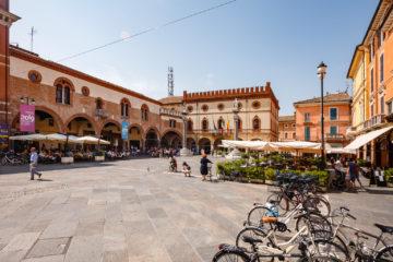 Piazza del Popolo  Ravenna Emilia-Romagna Italien by Peter Ehlert in Ravenna und Cesenatico