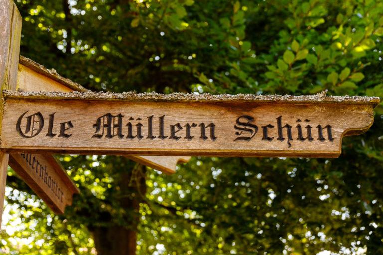 """Kuchenparadies """"Ole Müllern Schün"""" und Müdener Markt"""