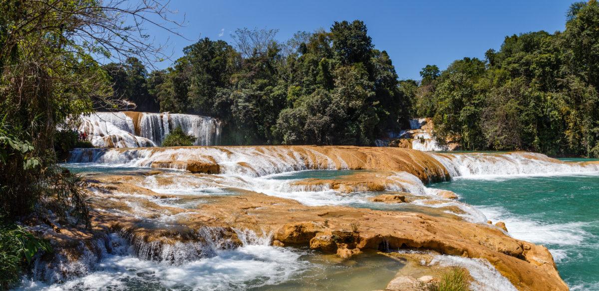 Erste Stufe der Wasserfälle by Peter Ehlert in Tumbalá Chiapas Mexiko