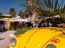 Pacha-Käfer vor dem Hippie Markt  San Carles Balearische Inseln - Ibiza Spanien by Peter Ehlert in Ibiza - Insel des Lichts