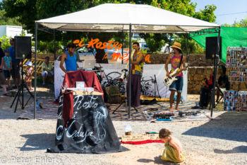 Livemusik - Hippiemarkt  San Carles Balearische Inseln - Ibiza Spanien by Peter Ehlert in Ibiza - Insel des Lichts