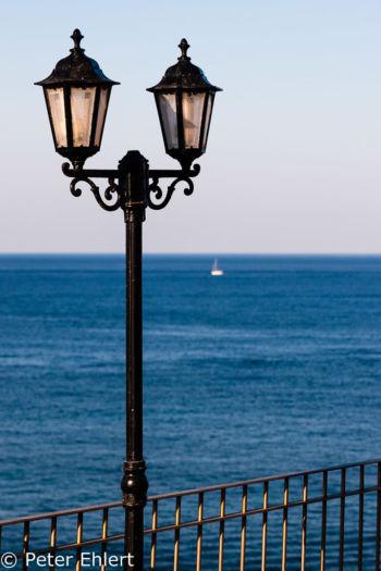 Laterne und Geländer  Platja es Figueral Balearische Inseln - Ibiza Spanien by Peter Ehlert in Ibiza - Insel des Lichts