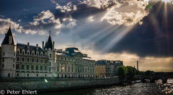 Conciergerie  Paris Île-de-France Frankreich by Lara Ehlert in Paris, quer durch die Stadt