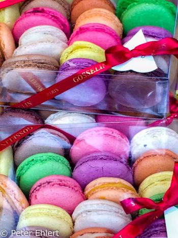 Bunte Macarons (Gosselin)  Paris Île-de-France Frankreich by Peter Ehlert in Paris, quer durch die Stadt