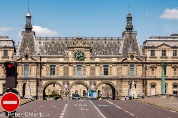 Pont du Carrousel und Louvre  Paris Île-de-France Frankreich by Peter Ehlert in Paris, quer durch die Stadt