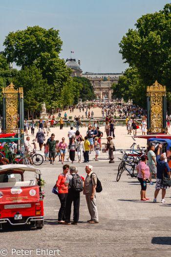 Eingang zu Jardin des Tuileries  Paris Île-de-France Frankreich by Peter Ehlert in Paris, quer durch die Stadt