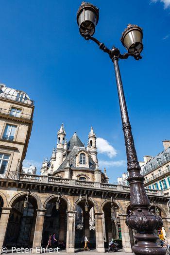 Laterne und Temple protestant de l'Oratoire du Louvre  Paris Île-de-France Frankreich by Peter Ehlert in Paris, quer durch die Stadt