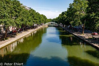 Kanal mit Brücke  Paris Île-de-France Frankreich by Peter Ehlert in Paris, quer durch die Stadt