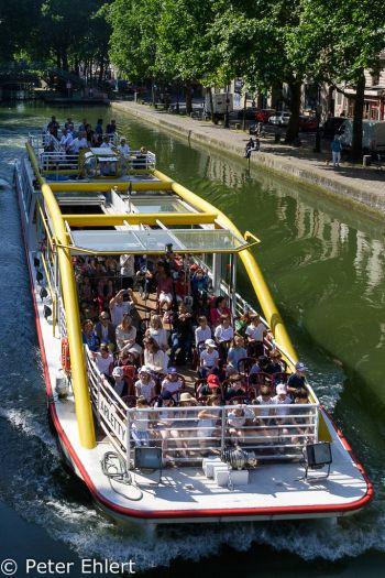 Ausflugsboot mit Schulklasse  Paris Île-de-France Frankreich by Lara Ehlert in Paris, quer durch die Stadt