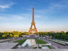 Eiffelturm im Abendlicht  Paris Île-de-France Frankreich by Peter Ehlert in Paris, Eiffelturm und Quartier Latin