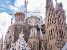 Türme und Baukräne  Barcelona Catalunya Spanien by Lara Ehlert in Barcelonas Kirchen