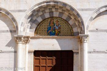 Mosaik an Chiesa di Santa Caterina d'Alessandria  Pisa Toscana Italien by Peter Ehlert in Abstecher nach Pisa