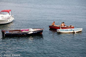 Sonnenbaden im Boot  Neapel Campania Italien by Peter Ehlert in Pompeii und Neapel