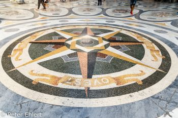 Kompassrose Mosaik  Neapel Campania Italien by Peter Ehlert in Pompeii und Neapel