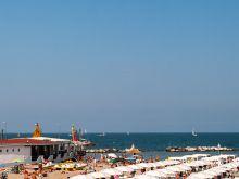 Flieger über Strand  Cesenatico Emilia-Romagna Italien by Peter Ehlert in Ravenna und Cesenatico