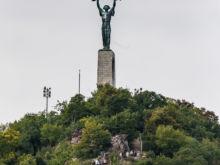 Freiheitsstatue auf Gellértberg  Budapest Budapest Ungarn by Peter Ehlert in Budapest Weekend