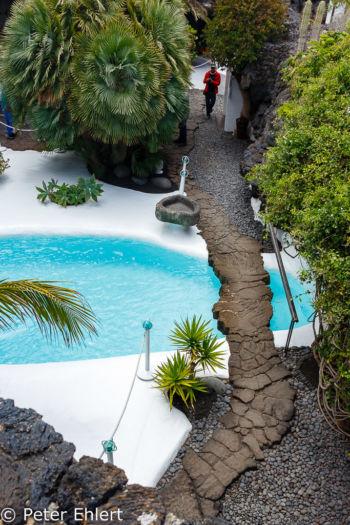 Blick auf Poolbereich  Teguise Canarias Spanien by Lara Ehlert in LanzaroteFundacion