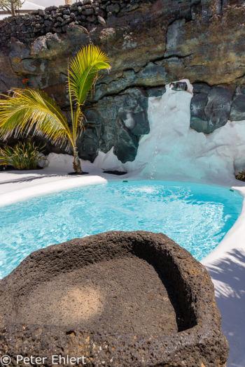 Pool mit Lavaschale  Teguise Canarias Spanien by Peter Ehlert in LanzaroteFundacion