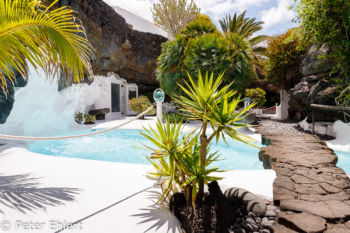 Poolbereich mit Brücke  Teguise Canarias Spanien by Peter Ehlert in LanzaroteFundacion