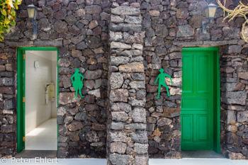 Grüne Türen  Teguise Canarias Spanien by Lara Ehlert in LanzaroteFundacion