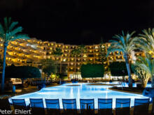 Pool bei Nacht  Costa Teguise Canarias Spanien by Peter Ehlert in LanzaroteHotels
