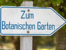 Schild  München Bayern Deutschland by Peter Ehlert in MUC-BotGarten