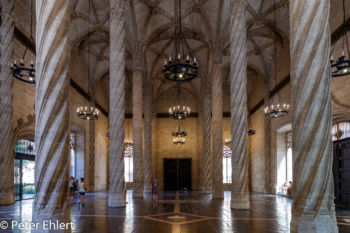 Große Halle  Valencia Provinz Valencia Spanien by Peter Ehlert in Valencia_Seidenbörse