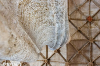 Säule mit Deckengewölbe  Valencia Provinz Valencia Spanien by Lara Ehlert in Valencia_Seidenbörse