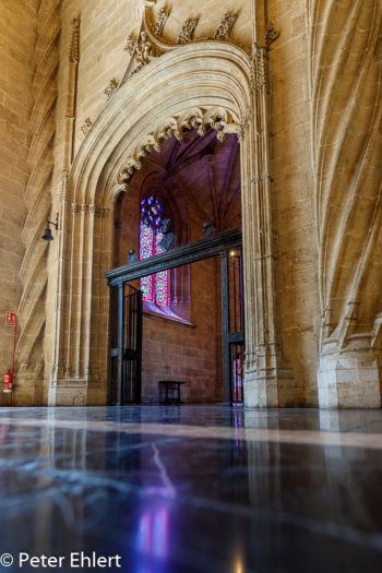 Tür und Spiegelung  Valencia Provinz Valencia Spanien by Peter Ehlert in Valencia_Seidenbörse