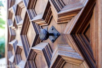 Tür mit Knauf im Gerichtsraum  Valencia Provinz Valencia Spanien by Peter Ehlert in Valencia_Seidenbörse