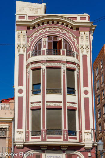 Rotes Haus  Valencia Provinz Valencia Spanien by Peter Ehlert in Valencia_Cabanyal