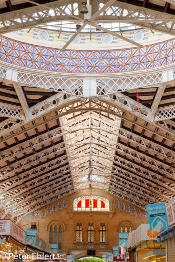 Gang mit Kuppel  Valencia Provinz Valencia Spanien by Peter Ehlert in Valencia_mercat_central