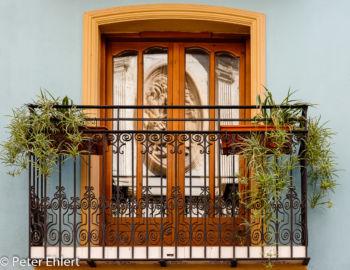 Balkon mit Spiegelung  Valencia Provinz Valencia Spanien by Peter Ehlert in Valencia_Stadtrundgang