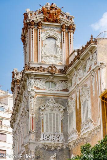 Verzierte Fassade  Valencia Provinz Valencia Spanien by Peter Ehlert in Valencia_Stadtrundgang
