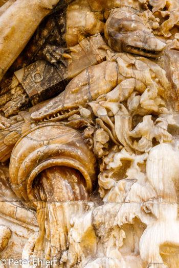 Figuren am Portal  Valencia Provinz Valencia Spanien by Peter Ehlert in Valencia_Stadtrundgang