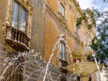 Springbrunnen vor Museum  Valencia Provinz Valencia Spanien by Peter Ehlert in Valencia_Stadtrundgang