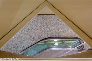 Rolltreppe und Wand  Valencia Provinz Valencia Spanien by Lara Ehlert in Valencia_Alameda