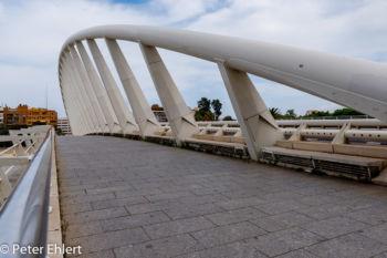 Asymetrische Brücke  Valencia Provinz Valencia Spanien by Peter Ehlert in Valencia_Turia