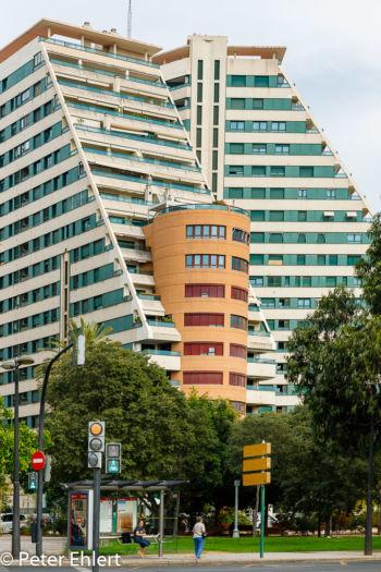Modernes Gebäude  Valencia Provinz Valencia Spanien by Peter Ehlert in Valencia_Turia