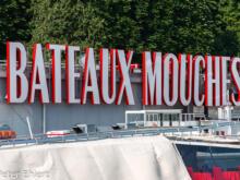 Schild am Einstieg  Paris Île-de-France Frankreich by Peter Ehlert in Paris Bateaux mouches