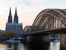 Hohenzollern Brücke mit Dom  Köln Nordrhein-Westfalen Deutschland by Peter Ehlert in Köln_Stadtrundgang